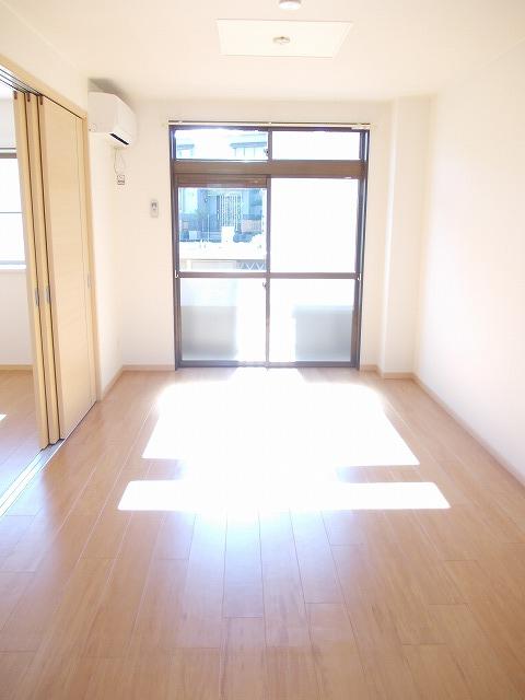 物件番号: 1110309399 メゾンクレスト  富山市上赤江町2丁目 1LDK アパート 画像1
