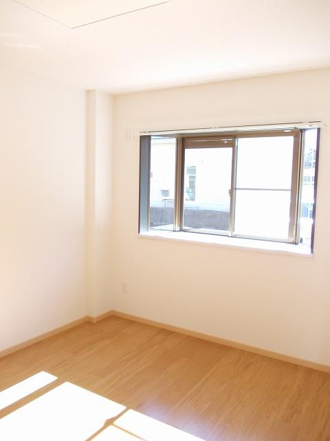 物件番号: 1110309399 メゾンクレスト  富山市上赤江町2丁目 1LDK アパート 画像4