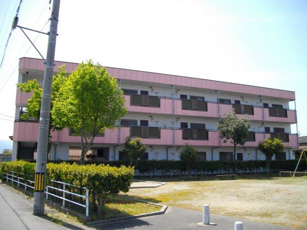 物件番号: 1110309408 エスタシオン  富山市堀 2DK マンション 外観画像