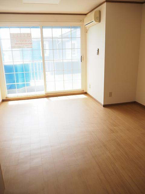 物件番号: 1110309422 リバーサイド・ドリームⅡ 富山市西荒屋 2LDK アパート 写真2