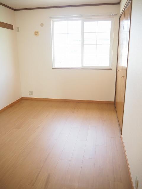 物件番号: 1110309422 リバーサイド・ドリームⅡ 富山市西荒屋 2LDK アパート 写真5