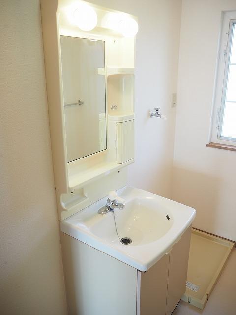 物件番号: 1110309422 リバーサイド・ドリームⅡ 富山市西荒屋 2LDK アパート 写真9