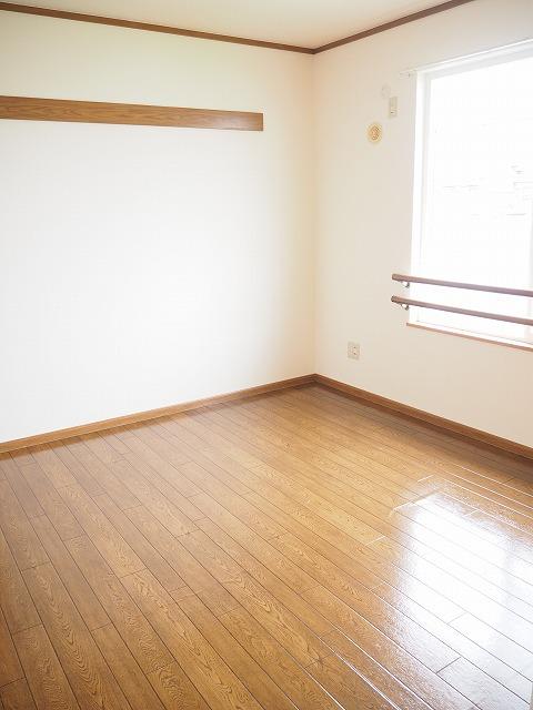 物件番号: 1110309424 リバーサイド・ドリームⅠ  富山市西荒屋 2LDK アパート 画像4