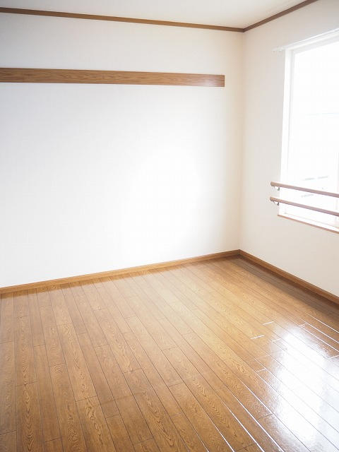 物件番号: 1110309424 リバーサイド・ドリームⅠ  富山市西荒屋 2LDK アパート 画像7