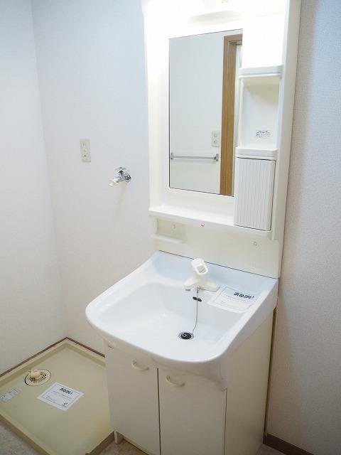 物件番号: 1110309424 リバーサイド・ドリームⅠ  富山市西荒屋 2LDK アパート 画像8