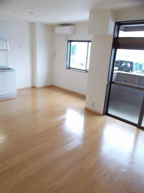 物件番号: 1110309426 リバーサイド・ヴィラC 富山市西荒屋 1LDK アパート 写真2