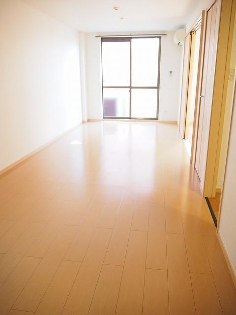 物件番号: 1110309429 グランディール  富山市山室荒屋 1LDK アパート 画像1