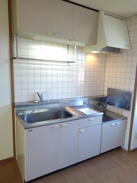 物件番号: 1110309432 サニーサイド松ケ丘  富山市山室荒屋 2DK アパート 画像2