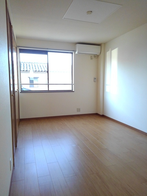 物件番号: 1110309432 サニーサイド松ケ丘  富山市山室荒屋 2DK アパート 画像4