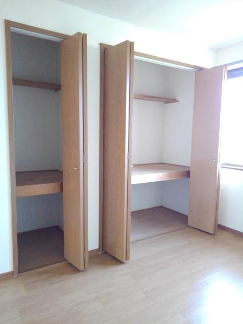 物件番号: 1110309432 サニーサイド松ケ丘  富山市山室荒屋 2DK アパート 画像6
