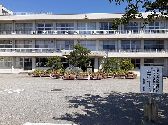 物件番号: 1110309432 サニーサイド松ケ丘  富山市山室荒屋 2DK アパート 画像17