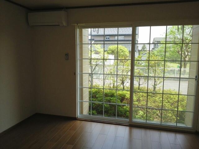 物件番号: 1110310058 ラフィネ長附 富山市長附 2DK アパート 写真5