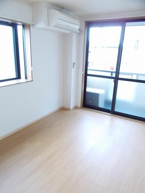 物件番号: 1110309448 ブルーリオンⅡ  富山市萩原 2DK アパート 画像1