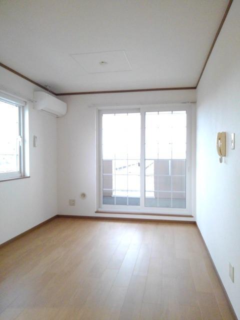 物件番号: 1110309453 リバーサイド・ドリームⅦ  富山市西荒屋 2DK アパート 画像1