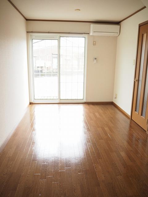 物件番号: 1110309459 グランディールⅢ  富山市山室荒屋 2LDK アパート 画像1