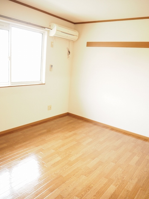 物件番号: 1110309459 グランディールⅢ  富山市山室荒屋 2LDK アパート 画像4