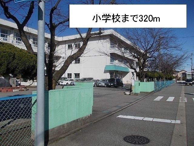 物件番号: 1110309459 グランディールⅢ  富山市山室荒屋 2LDK アパート 画像14