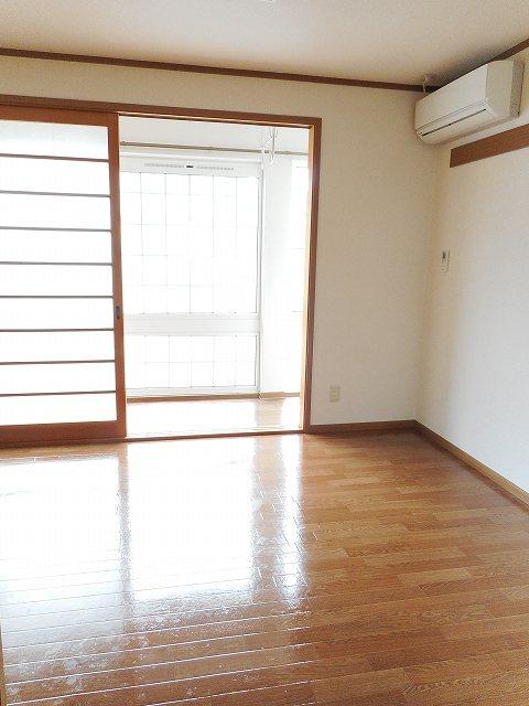 物件番号: 1110310151 グランディールⅣ 富山市山室荒屋 2LDK テラスハウス 写真2