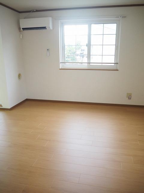 物件番号: 1110309941 ヴィラ・アミティⅡ  富山市西荒屋 2LDK アパート 画像1