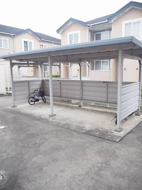 物件番号: 1110309941 ヴィラ・アミティⅡ  富山市西荒屋 2LDK アパート 画像12