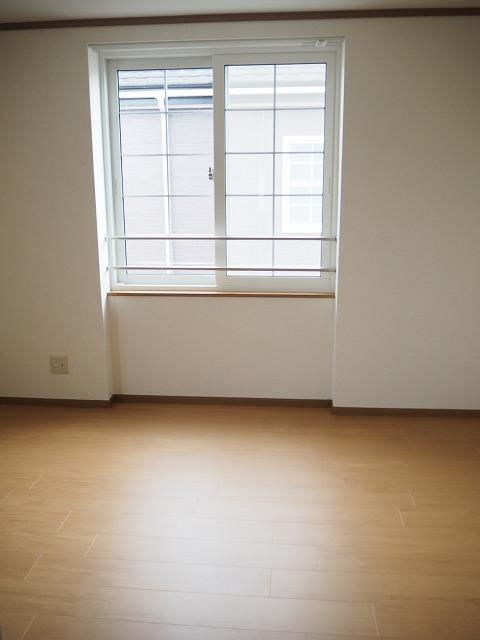 物件番号: 1110309941 ヴィラ・アミティⅡ  富山市西荒屋 2LDK アパート 画像4