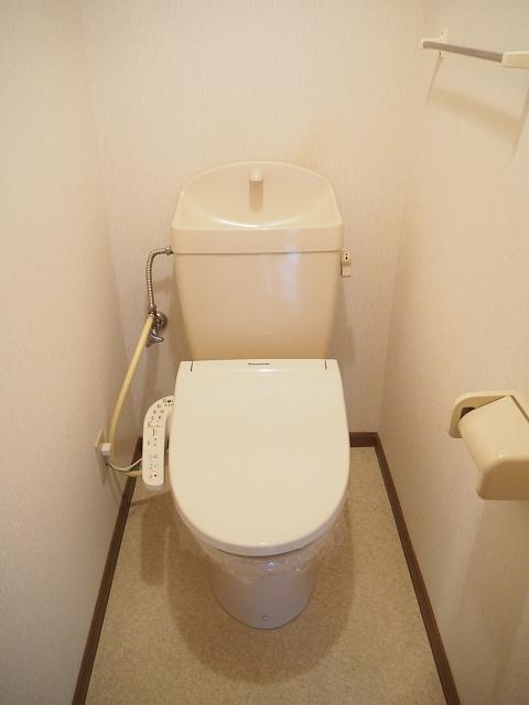 物件番号: 1110309941 ヴィラ・アミティⅡ  富山市西荒屋 2LDK アパート 画像5