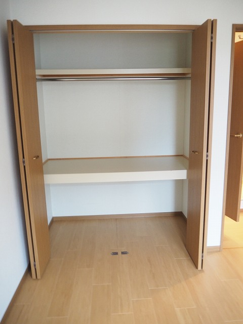 物件番号: 1110309941 ヴィラ・アミティⅡ  富山市西荒屋 2LDK アパート 画像6