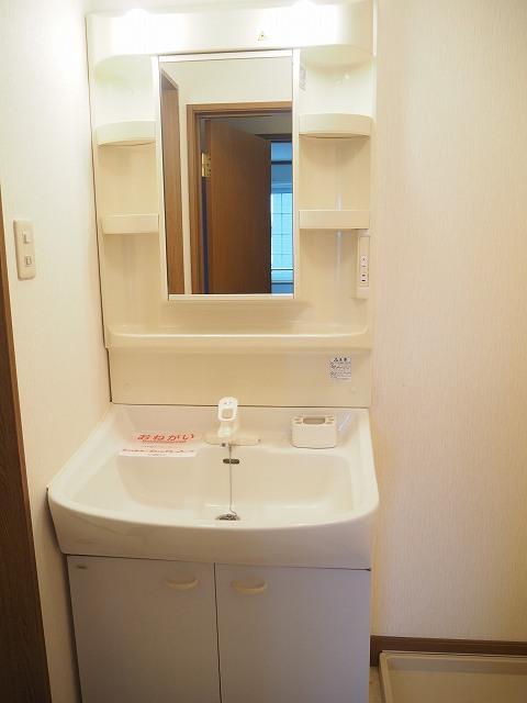 物件番号: 1110309941 ヴィラ・アミティⅡ  富山市西荒屋 2LDK アパート 画像9