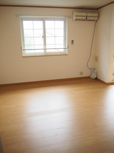 物件番号: 1110309943 ヴィラ・アミティⅢ  富山市西荒屋 2LDK アパート 画像1