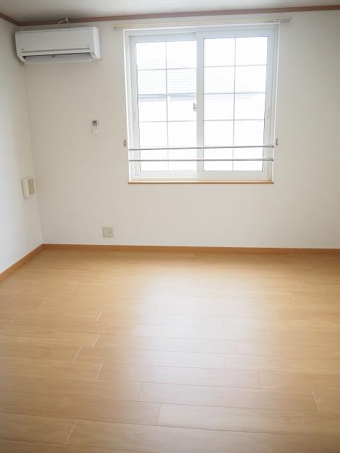 物件番号: 1110309944 ヴィラ・アミティⅣ  富山市西荒屋 2LDK アパート 画像1