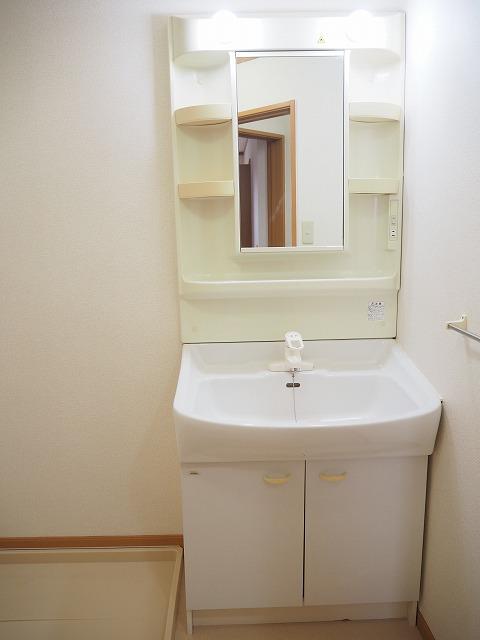 物件番号: 1110309944 ヴィラ・アミティⅣ  富山市西荒屋 2LDK アパート 画像7