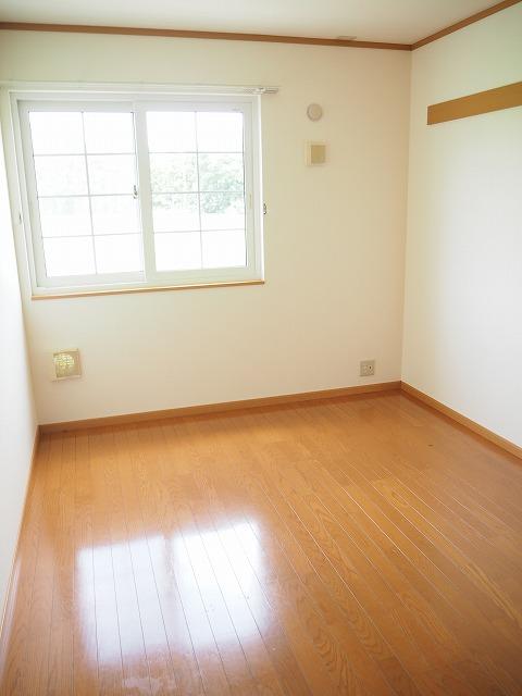 物件番号: 1110309462 ファンタジーアA  富山市下大久保 2DK アパート 画像4