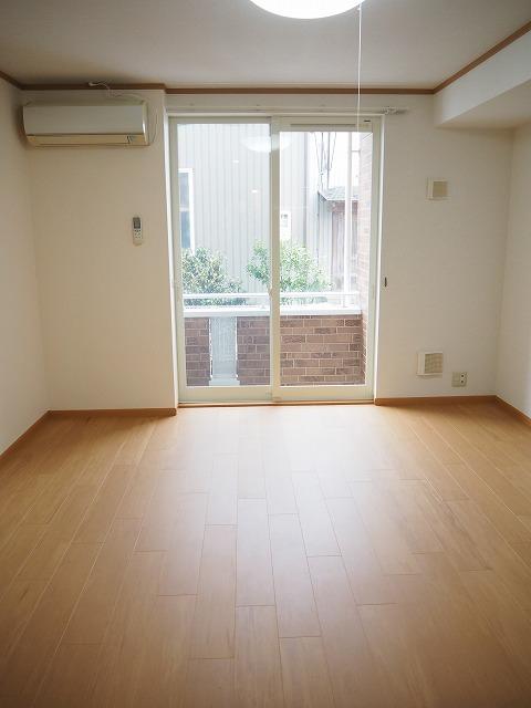 物件番号: 1110310230 プルミエ・アムールⅣ 富山市八尾町杉田 1K アパート 写真2