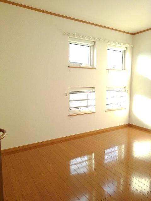 物件番号: 1110309485 ゼファーⅣ 富山市上大久保 1LDK アパート 写真5