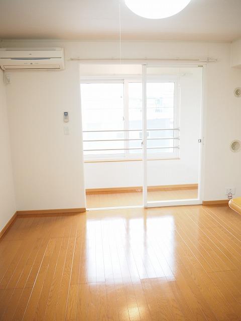 物件番号: 1110309493 リリックスA  富山市手屋3丁目 1LDK アパート 画像1