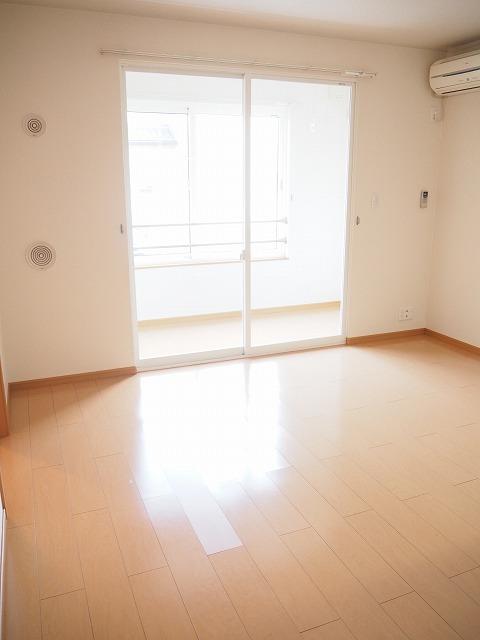 物件番号: 1110309507 プラシードT・Ⅱ  富山市高屋敷 2LDK アパート 画像1