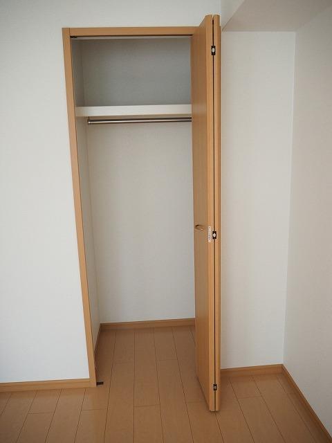 物件番号: 1110309507 プラシードT・Ⅱ  富山市高屋敷 2LDK アパート 画像6