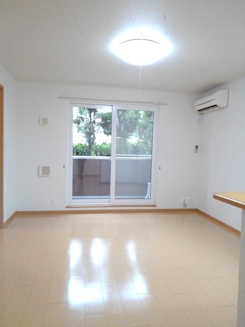 物件番号: 1110309510 グレイシャス  富山市西新庄 1K アパート 画像1