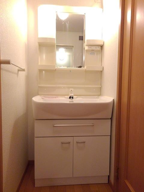 物件番号: 1110309510 グレイシャス  富山市西新庄 1K アパート 画像7