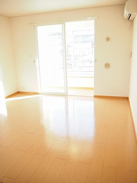物件番号: 1110309522 モアステージⅦA  富山市小杉 2LDK アパート 画像1