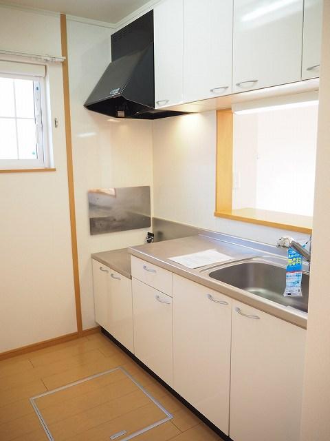 物件番号: 1110309522 モアステージⅦA  富山市小杉 2LDK アパート 画像2