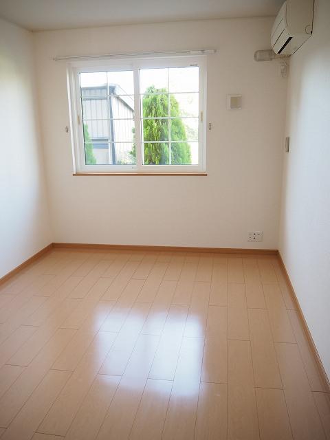 物件番号: 1110309522 モアステージⅦA  富山市小杉 2LDK アパート 画像4