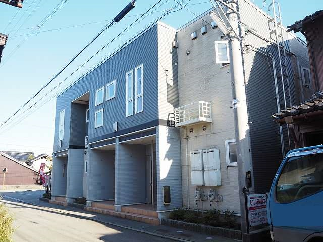 物件番号: 1110309985 カトル・フィユ  富山市四方荒屋 2DK アパート 外観画像