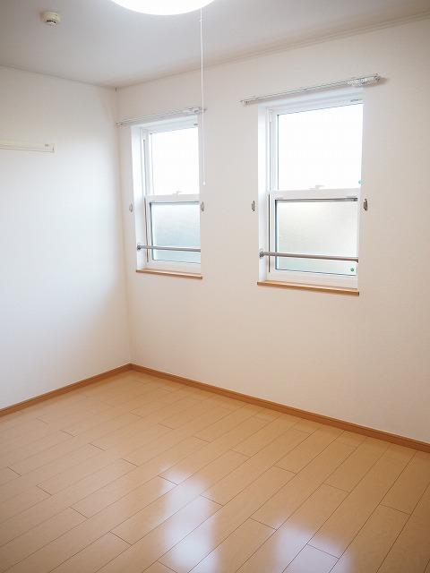 物件番号: 1110309530 クロンドールⅠ  富山市布瀬本町 1LDK アパート 画像4