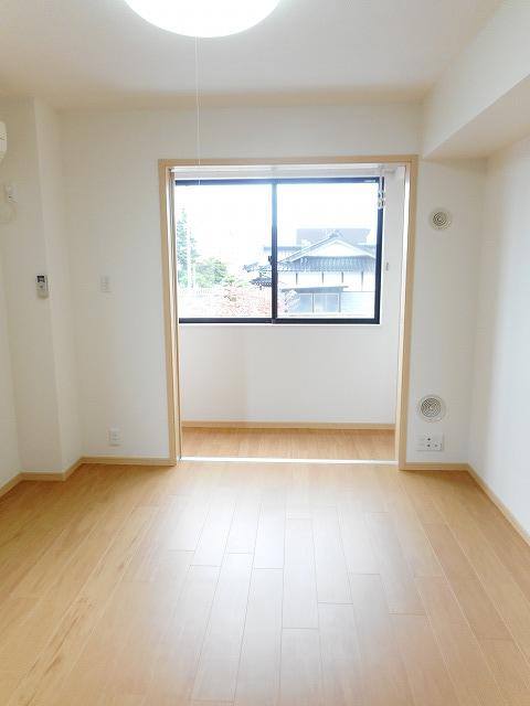 物件番号: 1110309966 アンソレイユB  富山市婦中町速星 1K アパート 画像1