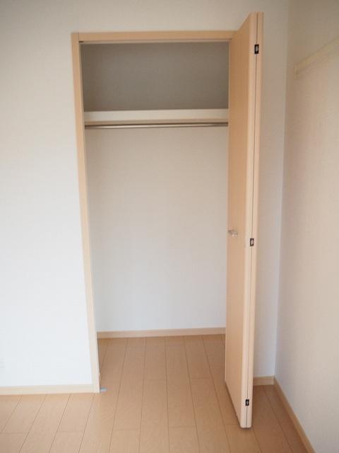 物件番号: 1110309946 ヴィー・ボヌールⅡ 富山市四方 2LDK アパート 写真7