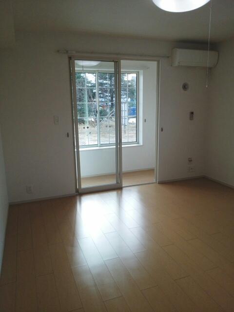 物件番号: 1110309570 デパール  富山市黒瀬 1K アパート 画像1