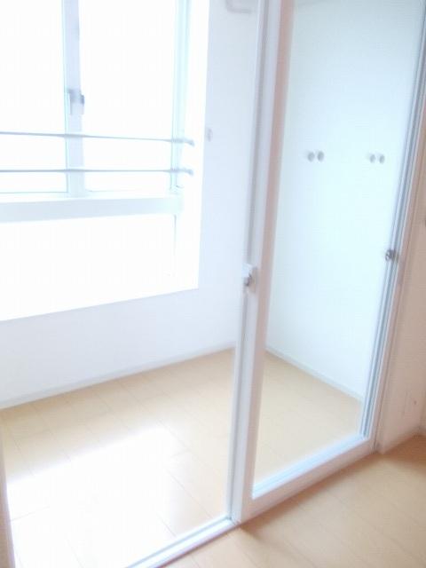物件番号: 1110309571 メゾンソレイユ  富山市上大久保 2LDK アパート 画像4