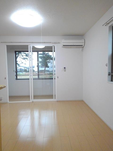 物件番号: 1110309578 ベルフォールⅣ  富山市常盤台 1LDK アパート 画像1