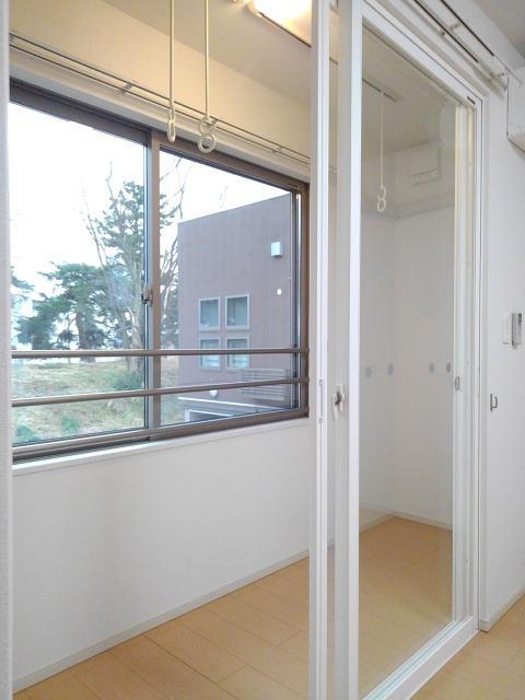 物件番号: 1110309578 ベルフォールⅣ  富山市常盤台 1LDK アパート 画像5